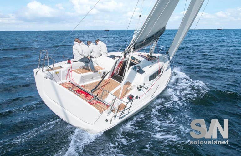 Dehler 34 New, di bolina in regata
