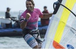 Un miglio a 43 nodi di media: che record per Albeau in windsurf