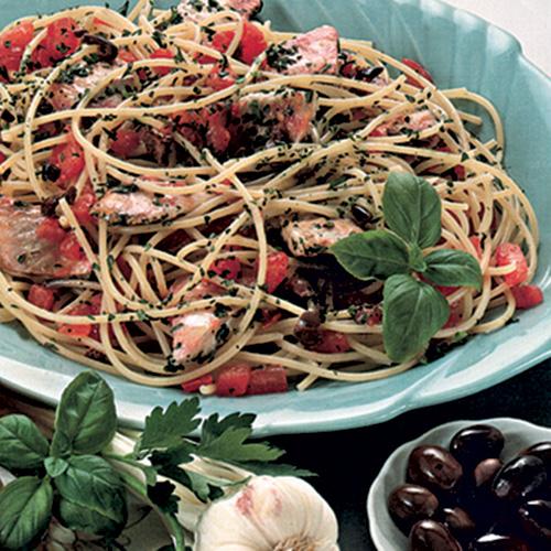 Spaghetti con triglie e olive